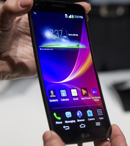 El smartphone flexible de LG. Foto: Reuters.