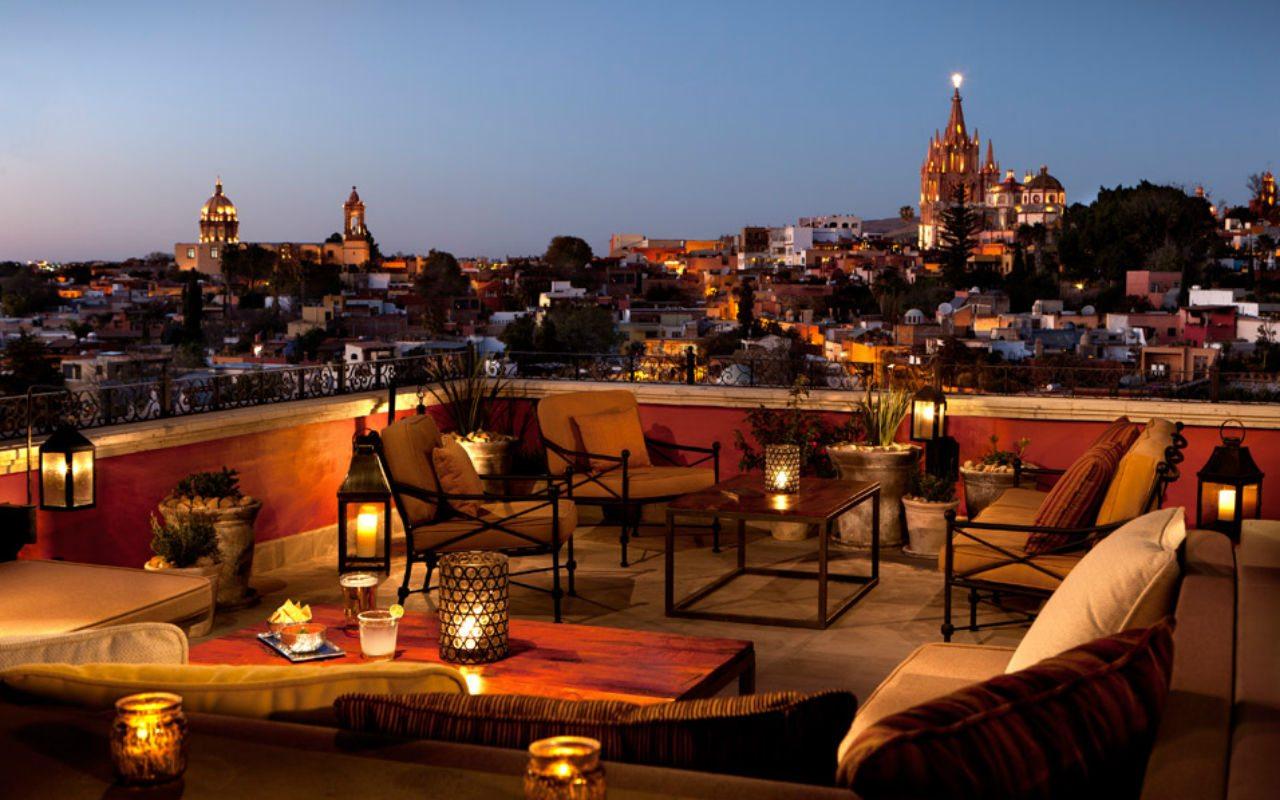 Vista nocturna desde el hotel Rosewood