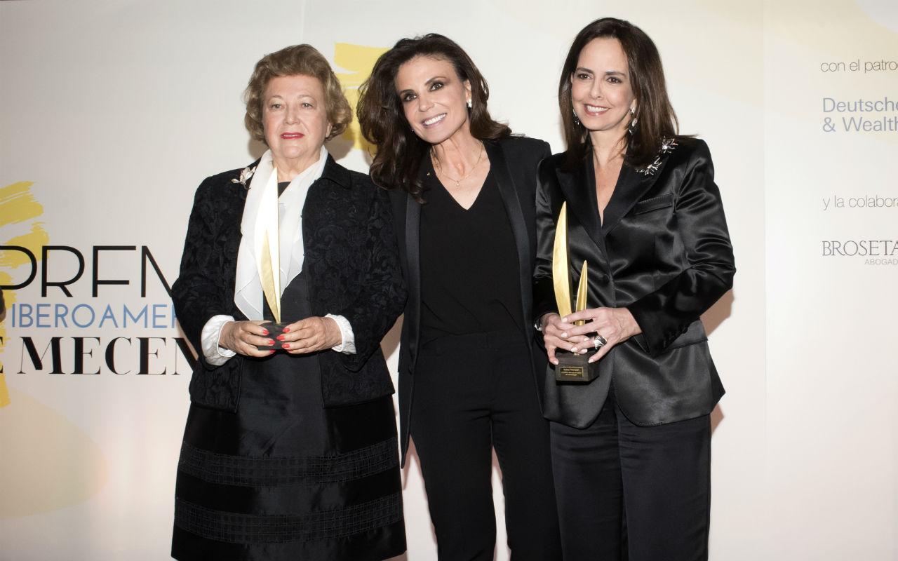 Mayte Spínola, Carmen Reviriego y Solita Mishaan, en los Premios Iberoamericanos de Mecenazgo.