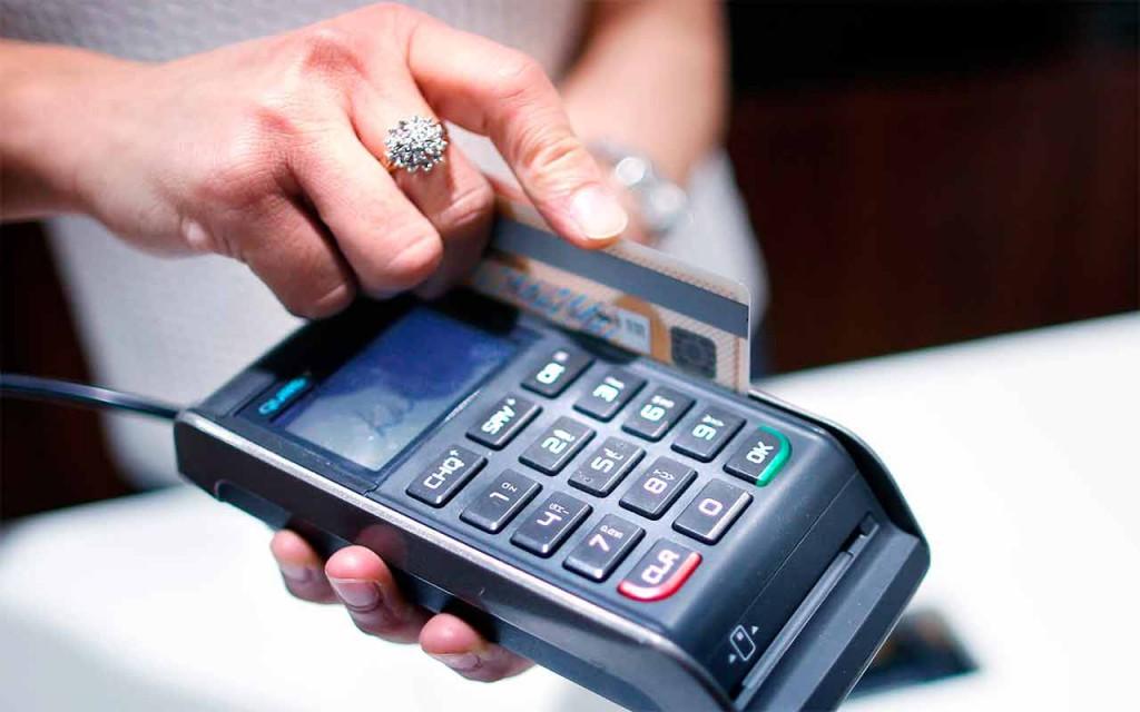 Pago con tarjeta de crédito (Foto: Reuters)