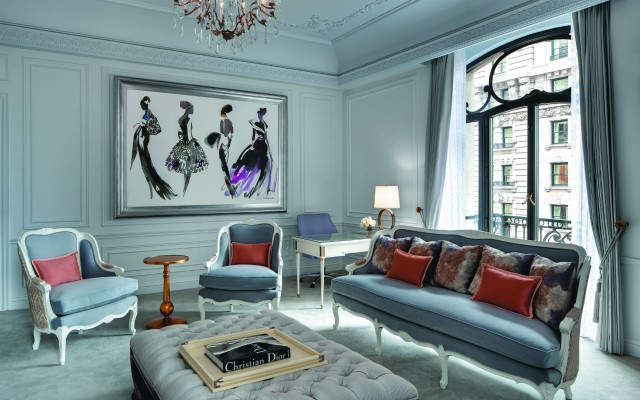 Dior Suite Living Room