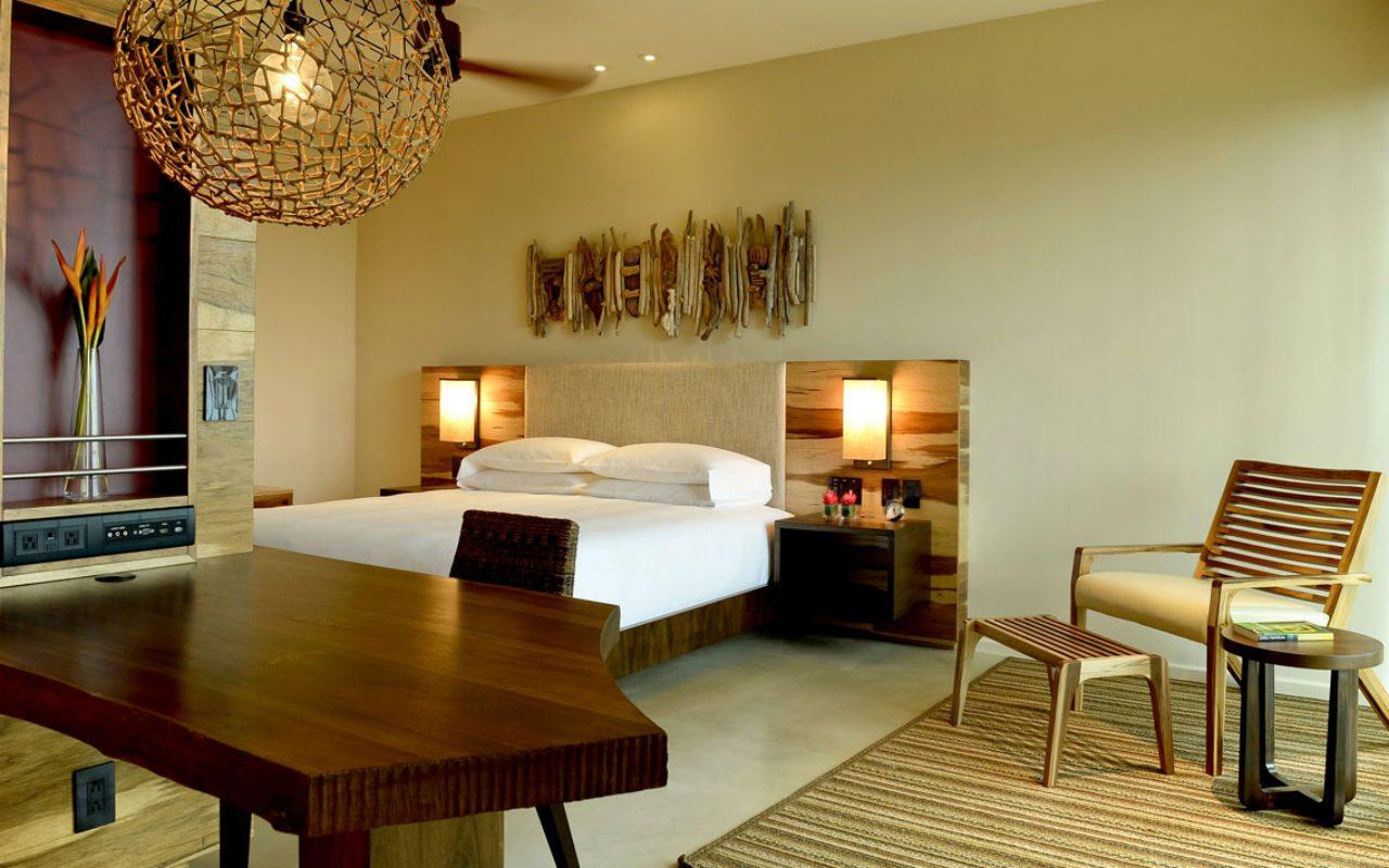 Andaz-Papagayo-LIRAZ_P044-King-Bedroom-Day-1280x720