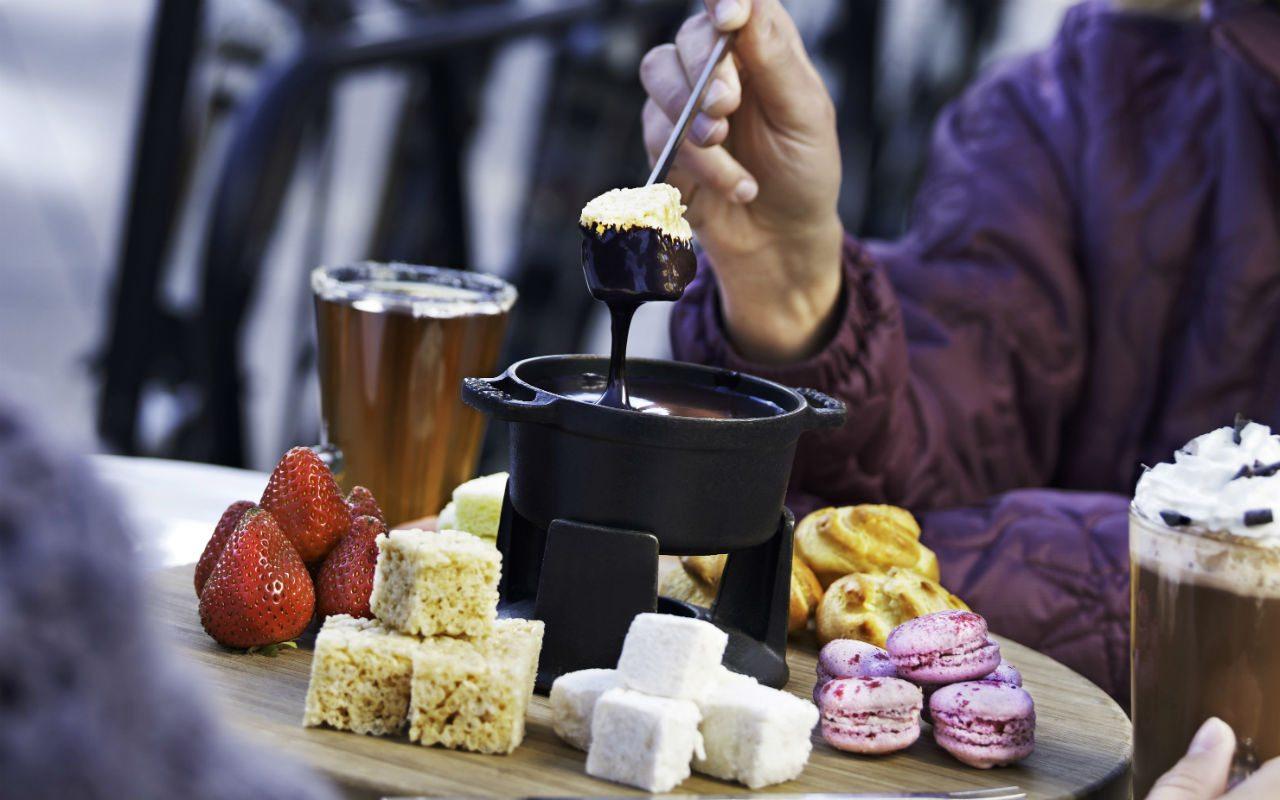 Hi_ASELN_43962344_ajax_choc_fondue