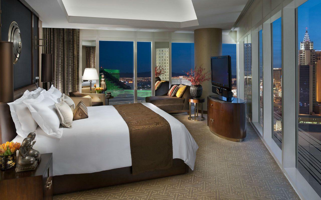 las-vegas-suite-apex-suite-bedroom-1