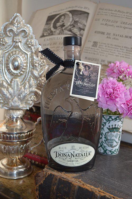 Esta es la botella negra que tendrá un costo de $7,000 pesos.
