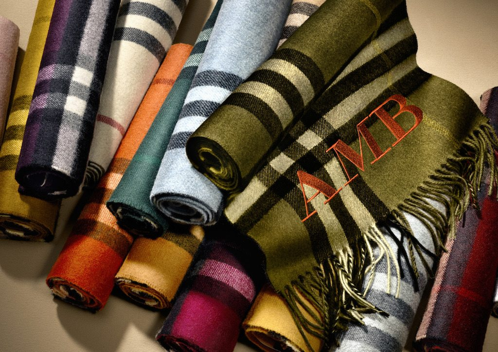The-Burberry-Scarf-Bar---Classic-Cashmere-Scarves
