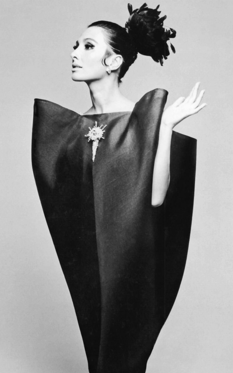 alberta-tiburzi-in-balenciagas-cocktail-dress-of-black-silk-gazar-with-rhinestone-and-faux-pearl-brooch-photo-by-hiro-harpers-bazaar-september-19671-811x1024