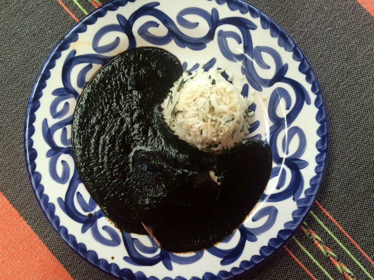 Mole negro.