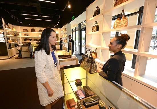 El embajador de ventas es la imagen de marca a ojos del cliente. (Foto: media.bizj.us)