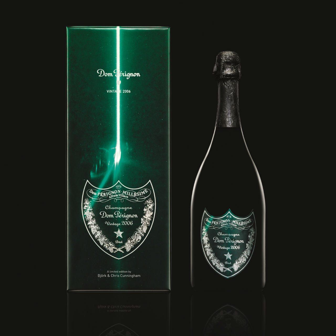 DOM PERIGNON - COFFRET + BOUTEILLE VINTAGE 2006 VERT - Fond noir