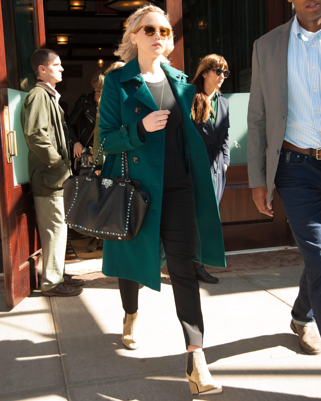 Jennifer Lawrence leaving her hotel in New York City Pictured: Jennifer Lawrence Ref: SPL1147174 101015 Picture by: NorthWoodsPix / Splash News Splash News and Pictures Los Angeles: 310-821-2666 New York: 212-619-2666 London: 870-934-2666 photodesk@splashnews.com