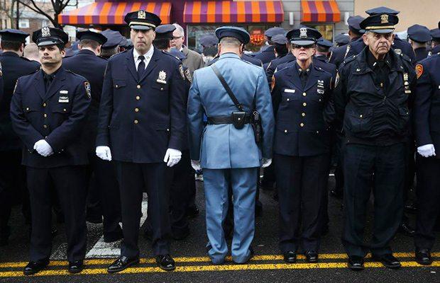 policias_manifiestan_ny1