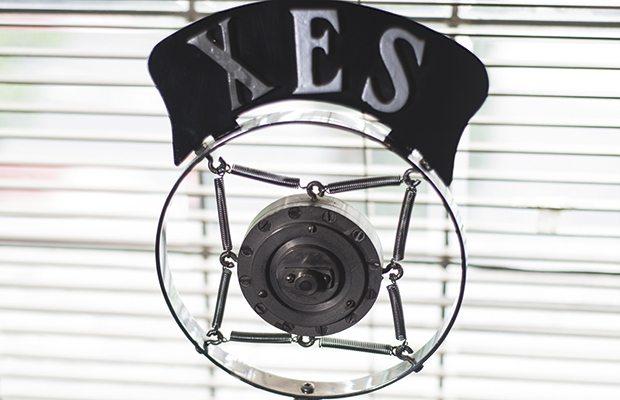 x_e_s