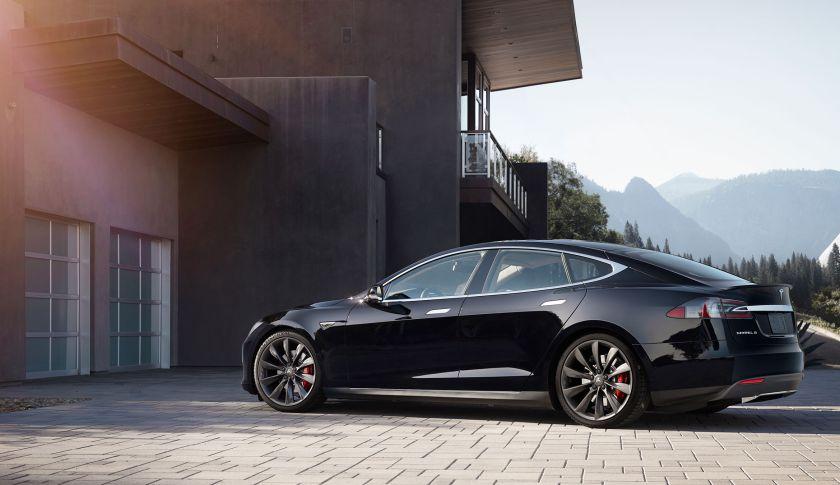 Foto Tesla