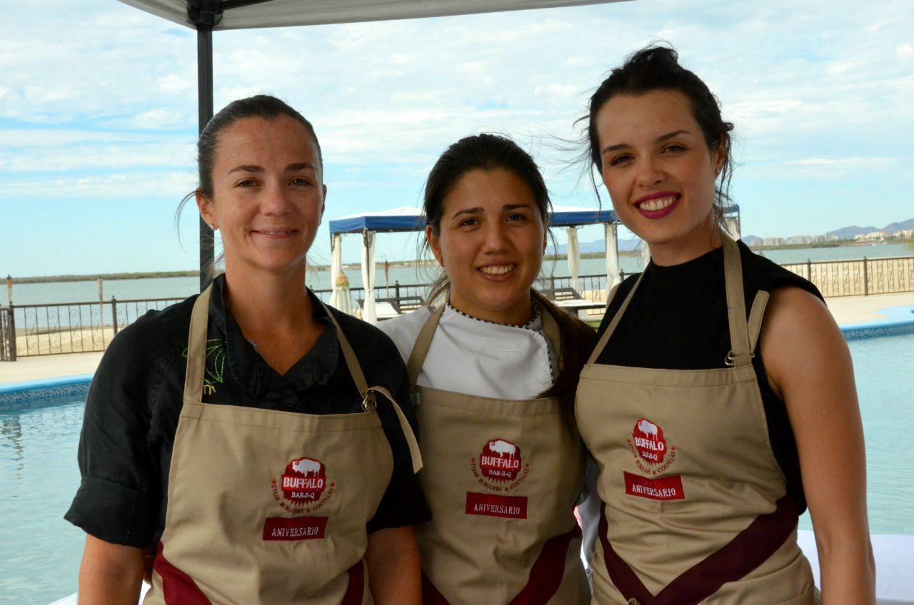 Cristina, Tanya y Adria
