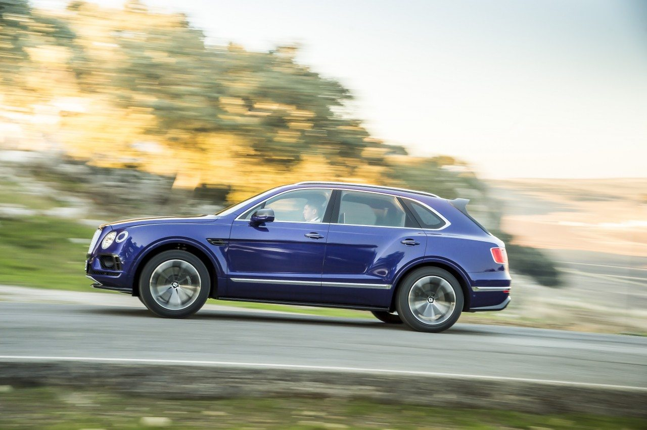 Bentley Bentayga-3