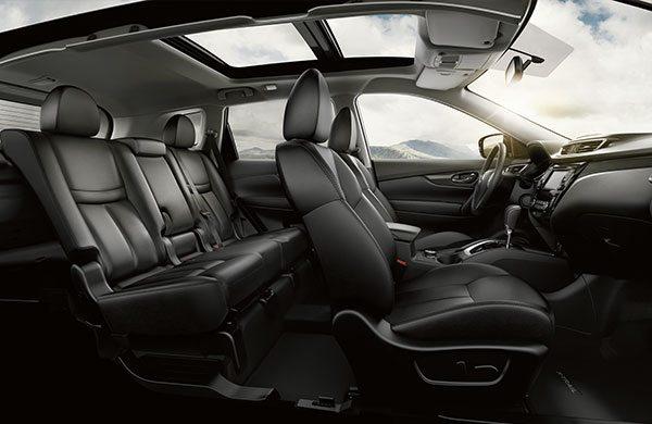 El espacioso y elegante interior de la camioneta X-Trail de Nissan