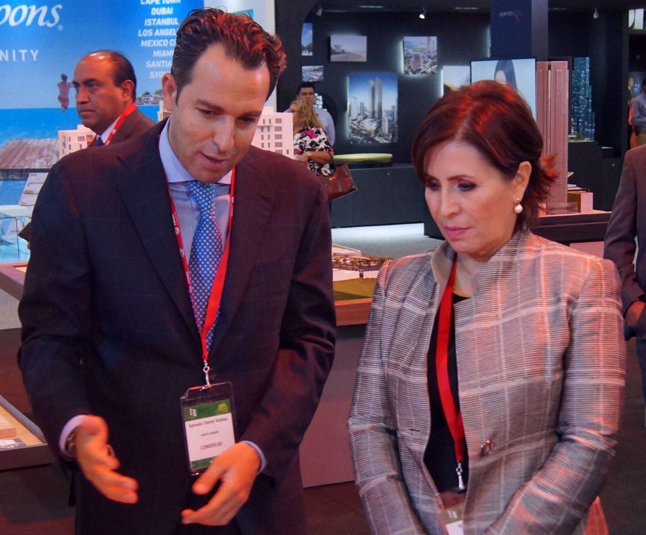Salvador Daniel Kabbaz y Rosario Robles. (Foto: Mariel Zúñiga)