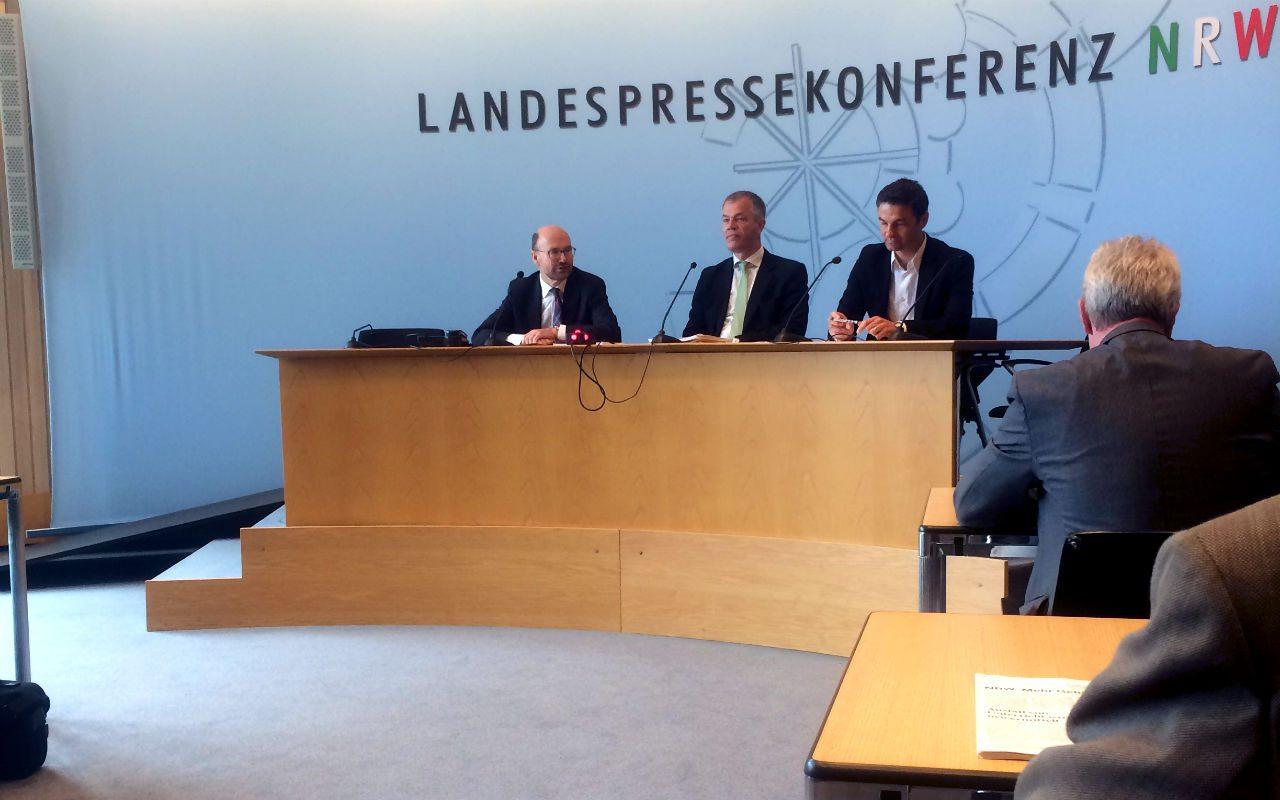 Al centro, el ministro Johannes Remmel. (Foto: Juliana Fregoso)