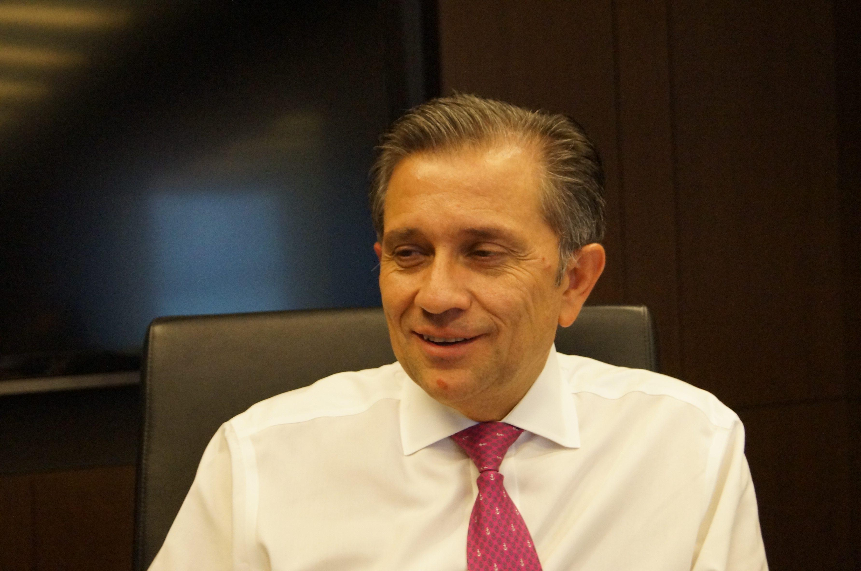 Gonzalo Robina, Fibra UNO
