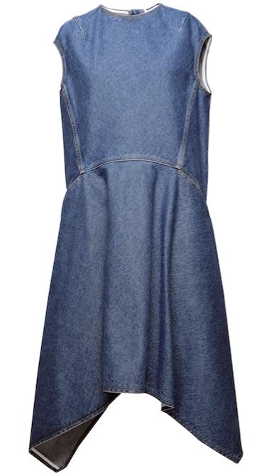 Vestido de mezclilla de Balenciaga.