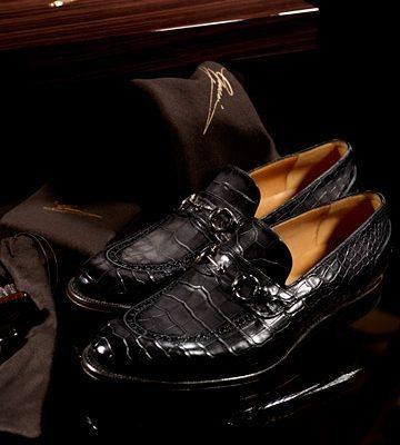 Zapatos Gucci hechos a la medida.