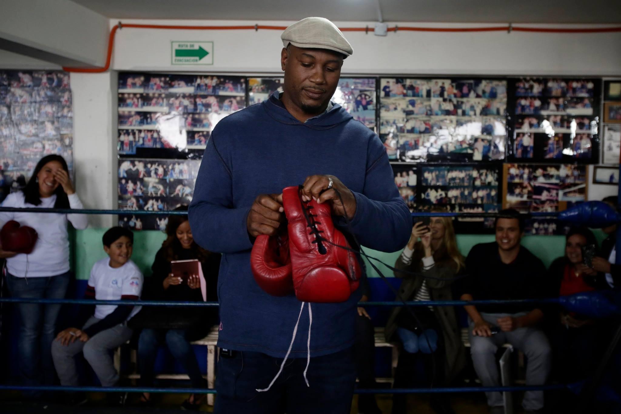 Lennos Lewis en el club de box Lupita