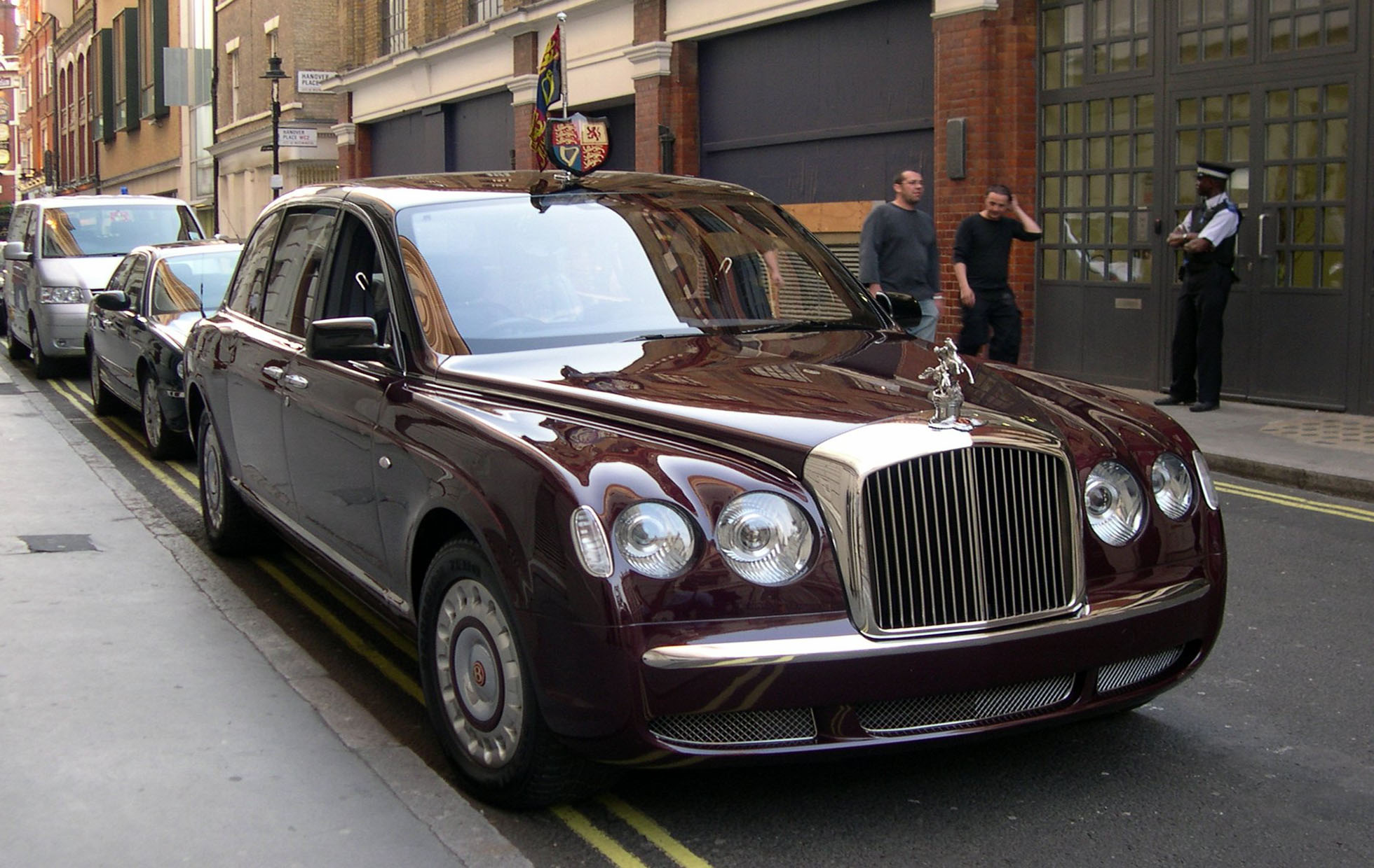 2002_bentley_state_limousine