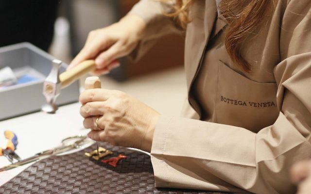 Los clientes podrán poner sus iniciales en su bolso.