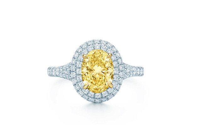 Anillo Soleste con diamante amarillo de Tiffany.