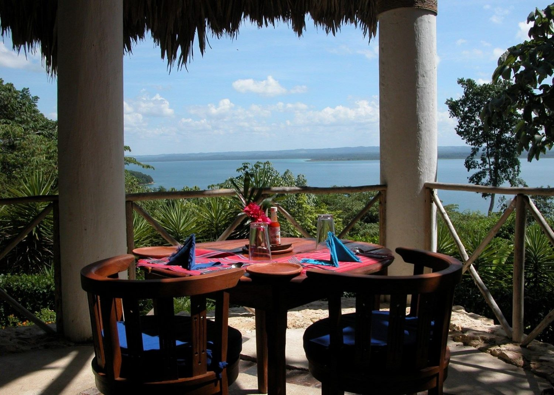 La Lancha Resort.