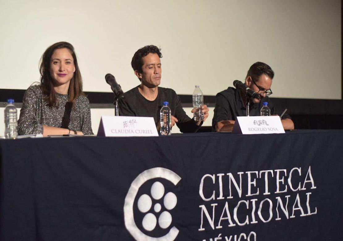 De izquierda a derecha: Claudia Curiel, directora de Bestia; Rafael Villegas, del equipo de programación y contenidos de Aural, y Rogelio Sosa, director de Aural. (Foto: Cortesía Aural.)