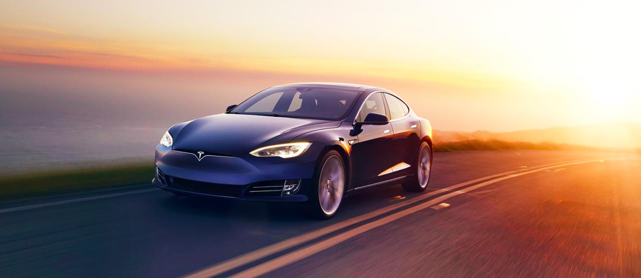 Model S fue el primer sedan Premium eléxtrico creado por Tesla en 2012