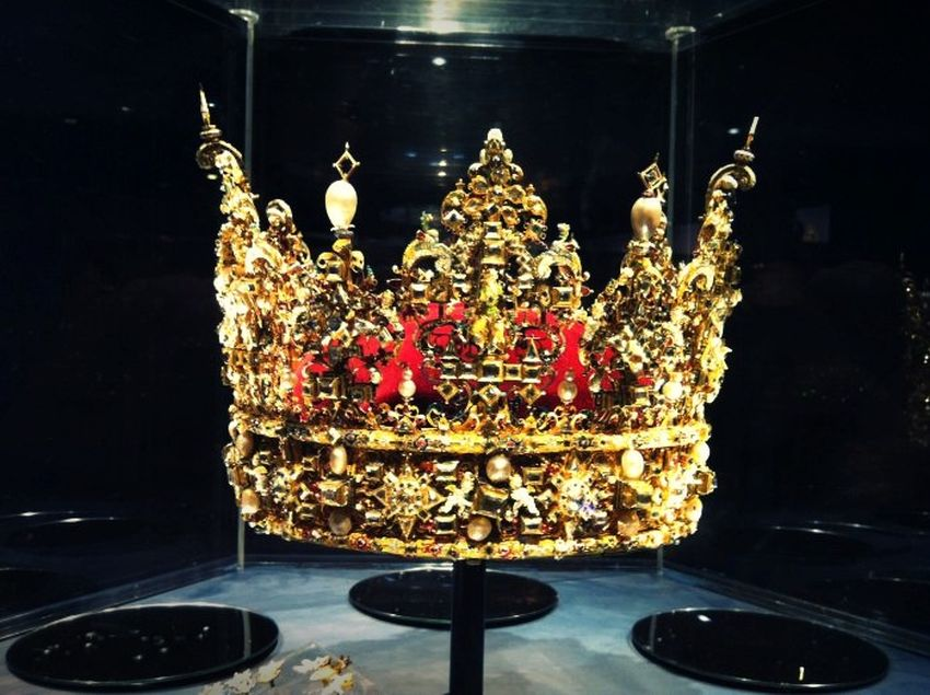 4-denmark-these-are-the-worlds-most-expensive-crown-jewels-via-flickr-com_