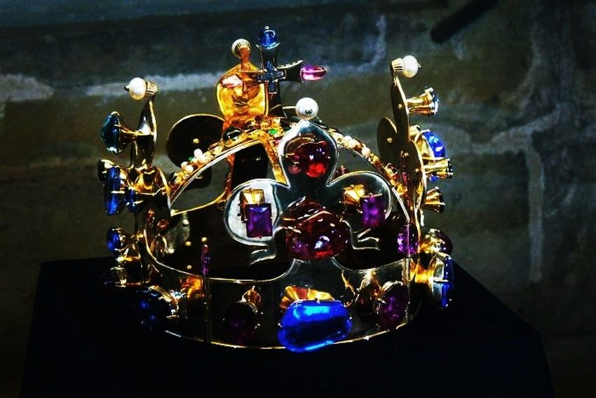 5-czech-republic-these-are-the-worlds-most-expensive-crown-jewels-via-eveandersson-com_