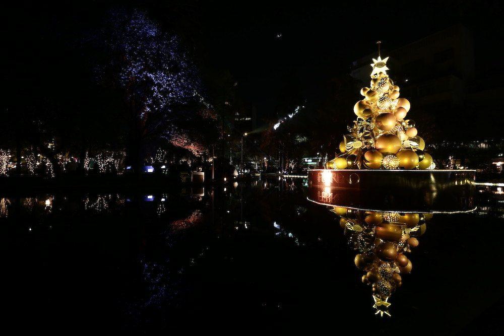 Alondra de la Parra también fue embajadora del encendido del árbol Ferrero Rocher,