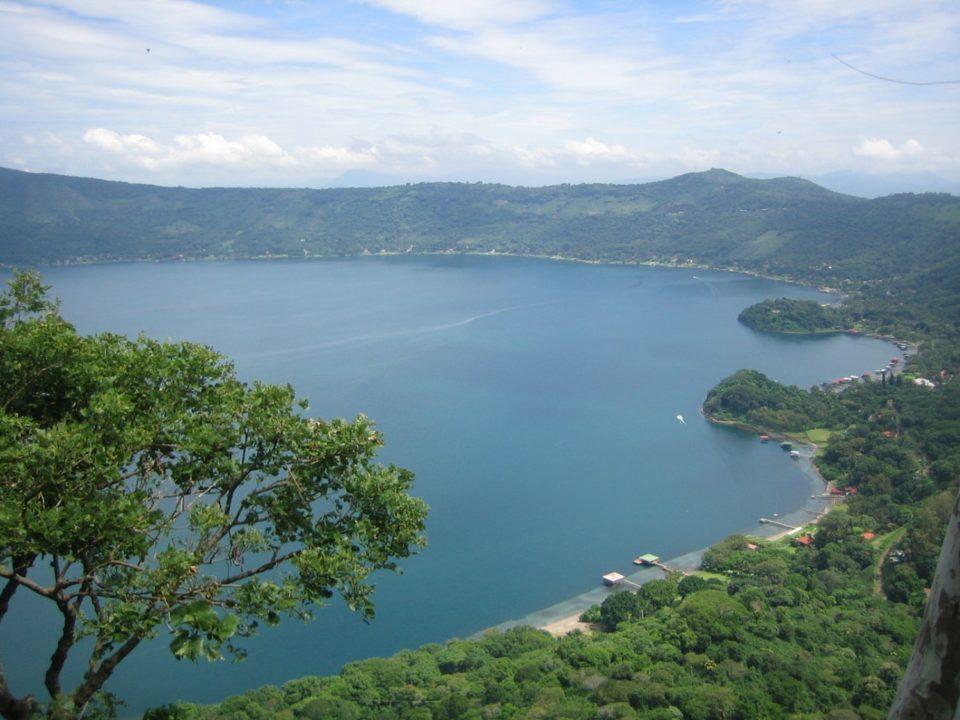 lago-de-coatepeque-santa-ana