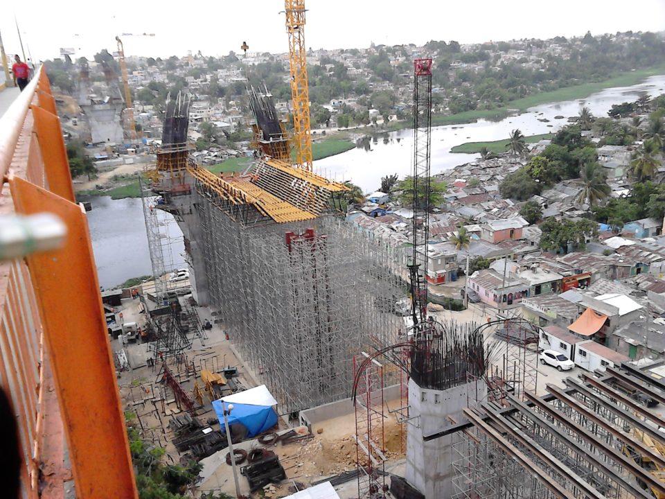 Línea en construcción del Metro de Santo Domingo