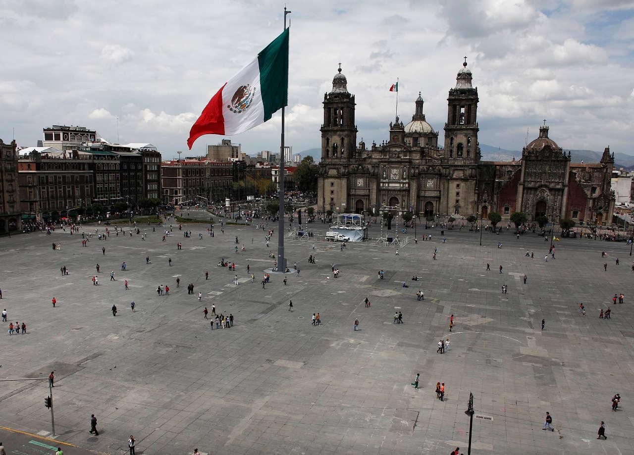 México arranca 2017 con 10% más de deuda pública