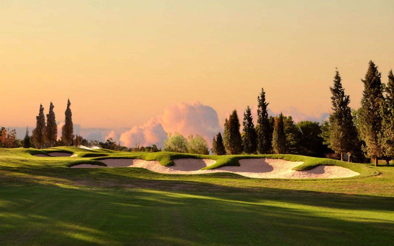 ¿Qué requiere un campo de golf a sus 25 años?