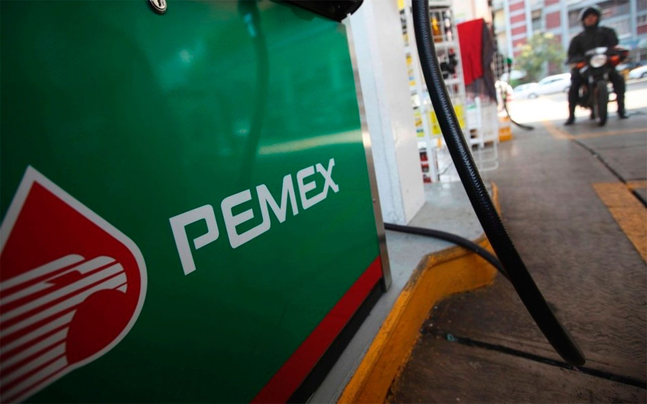 Director de Pemex cree que precios de la gasolina subirán más de 3%