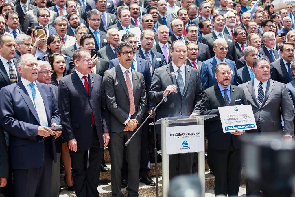 Empresarios demandarán al gobierno por bloqueos de la CNTE