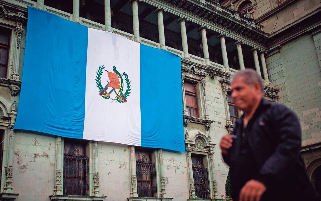 Secretario de Seguridad de EU tiene reunión con presidente de Guatemala