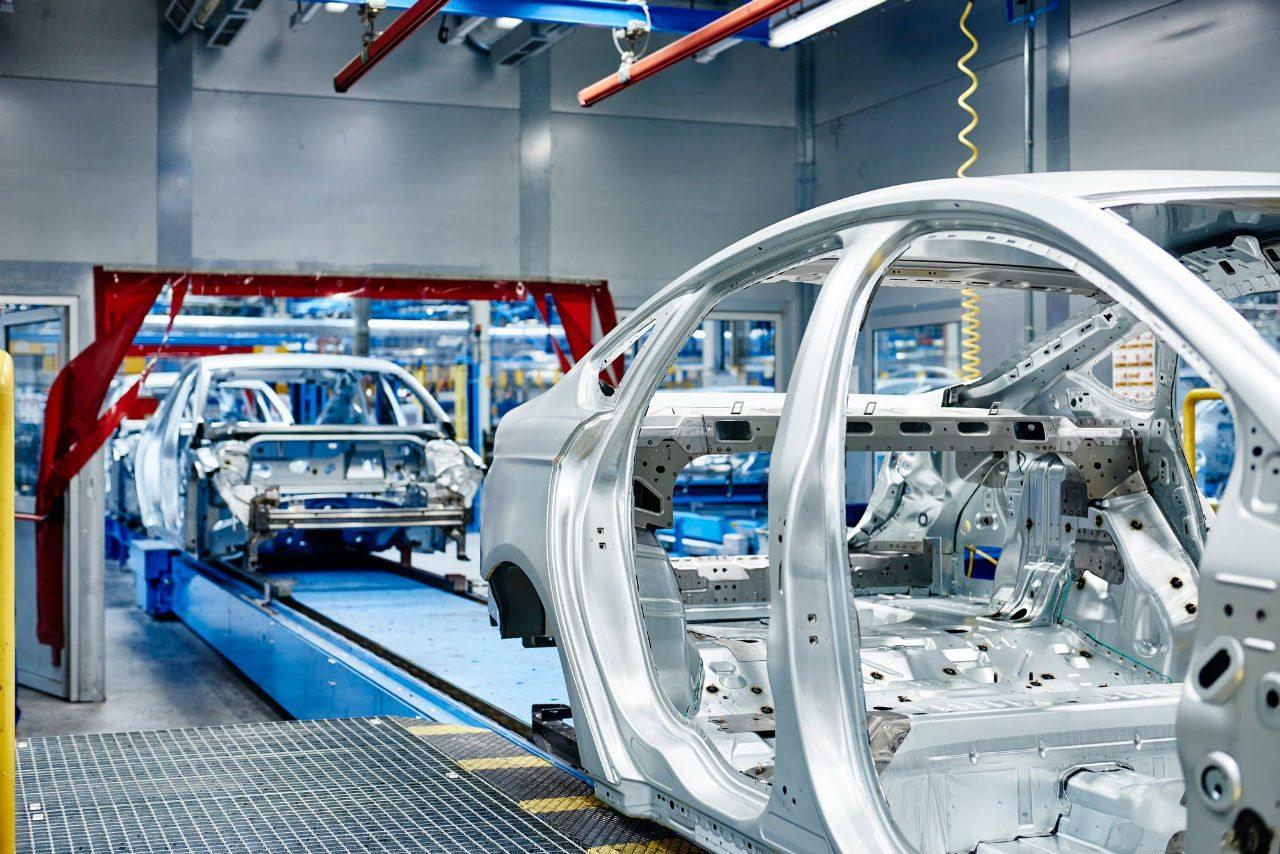 Ford inaugurará este año dos plantas en México