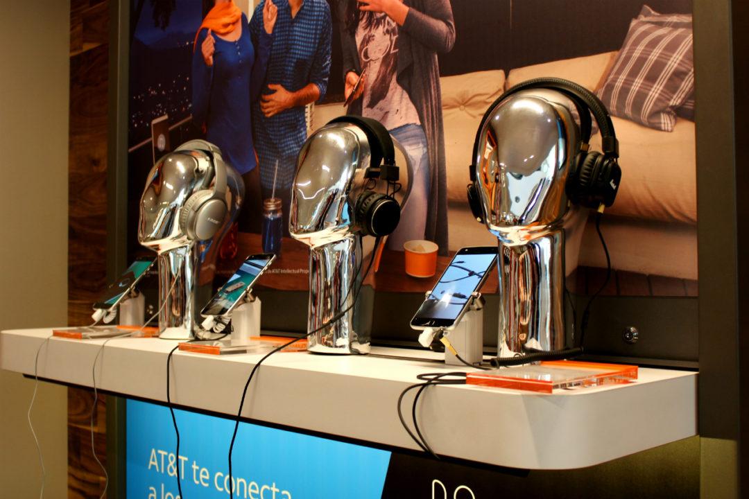 AT&T abre su primera tienda insignia de América Latina en México