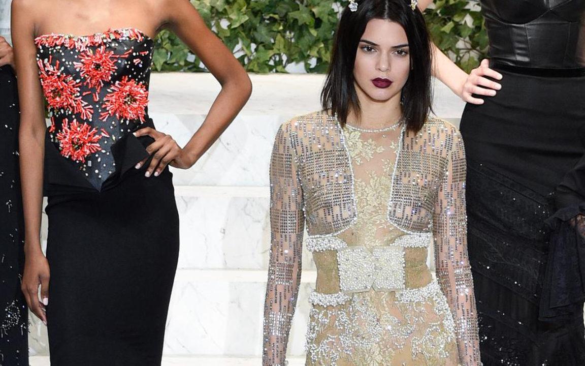 La desnudez es la mayor tendencia de belleza en las semanas de la moda 2017